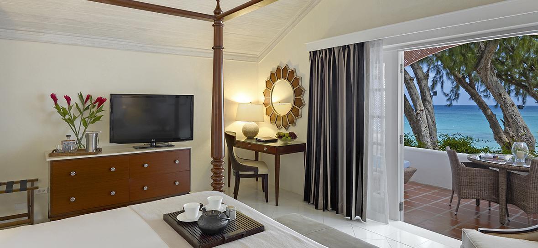 3-Luxury-Ocean-View-N13_home_masthead.jpg