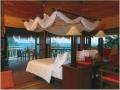 honeymoon_suite_bedroom7_l