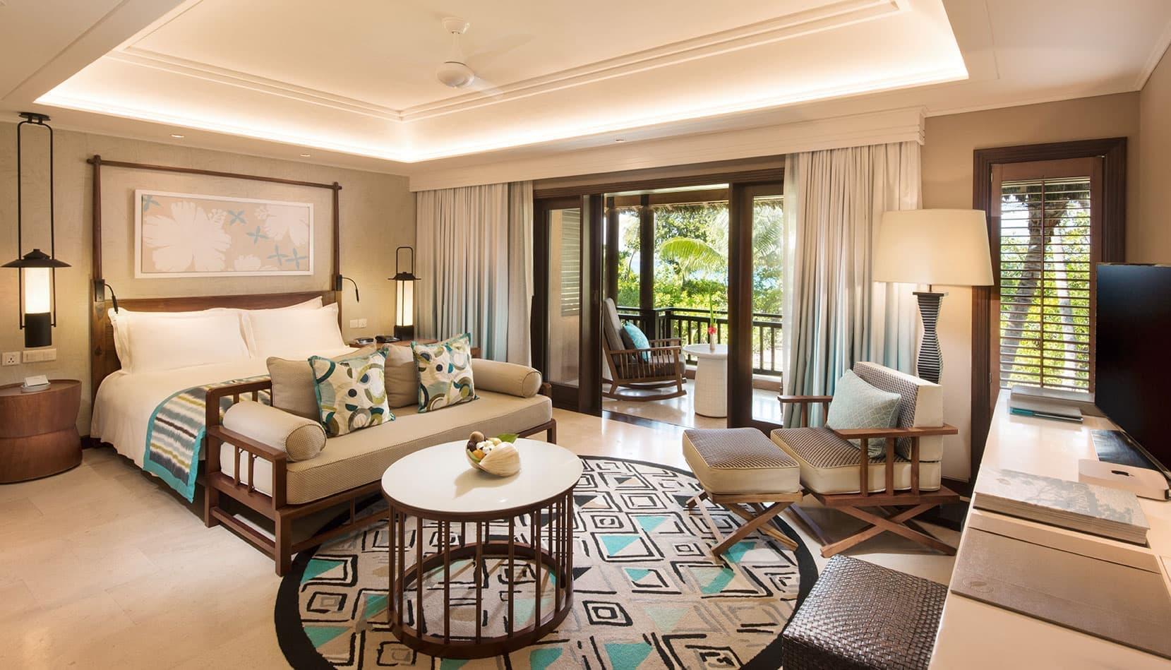 lemuria-seychelles-2016-ab-junior-suite-bedroom-01