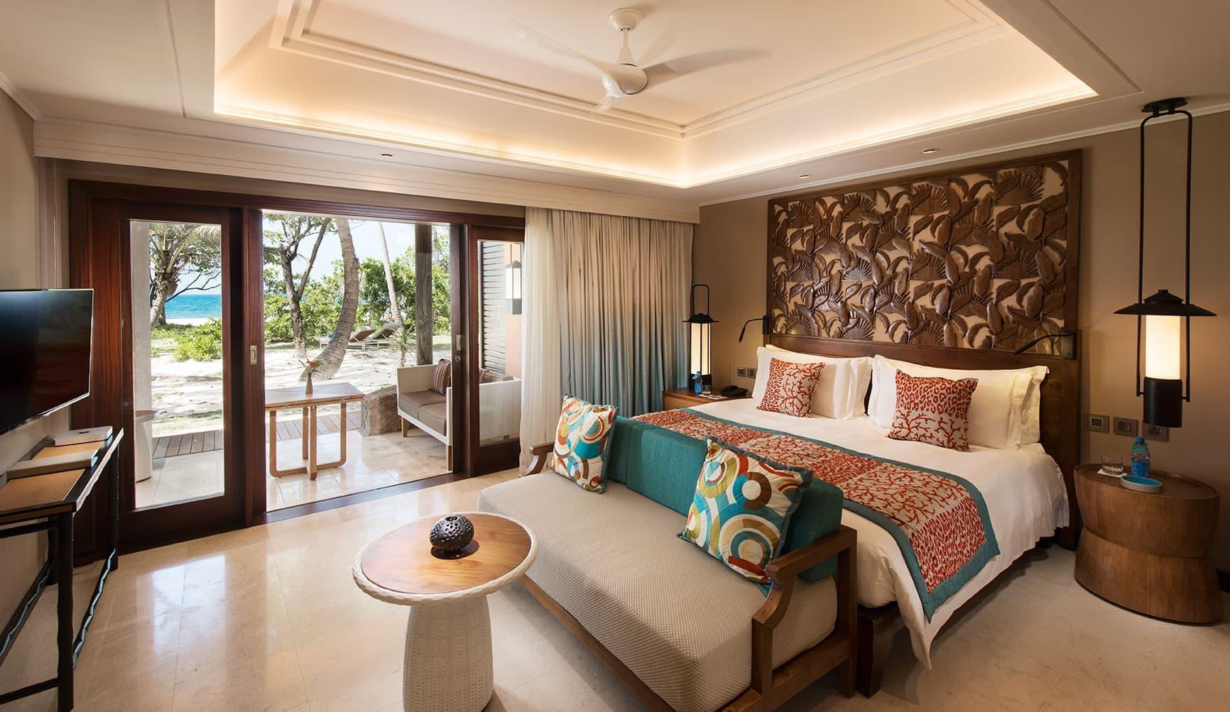 lemuria-seychelles-2016-ab-senior-suite-bedroom-01