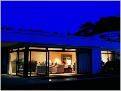 gallery-exterior-night