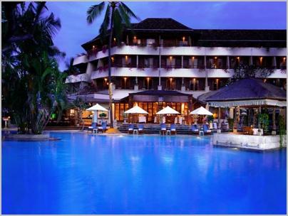 main-pool-night-shot1