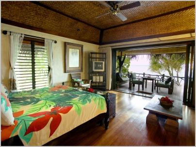 9_pacific_resort_aitutaki_-_beachfront_bungalow_interior